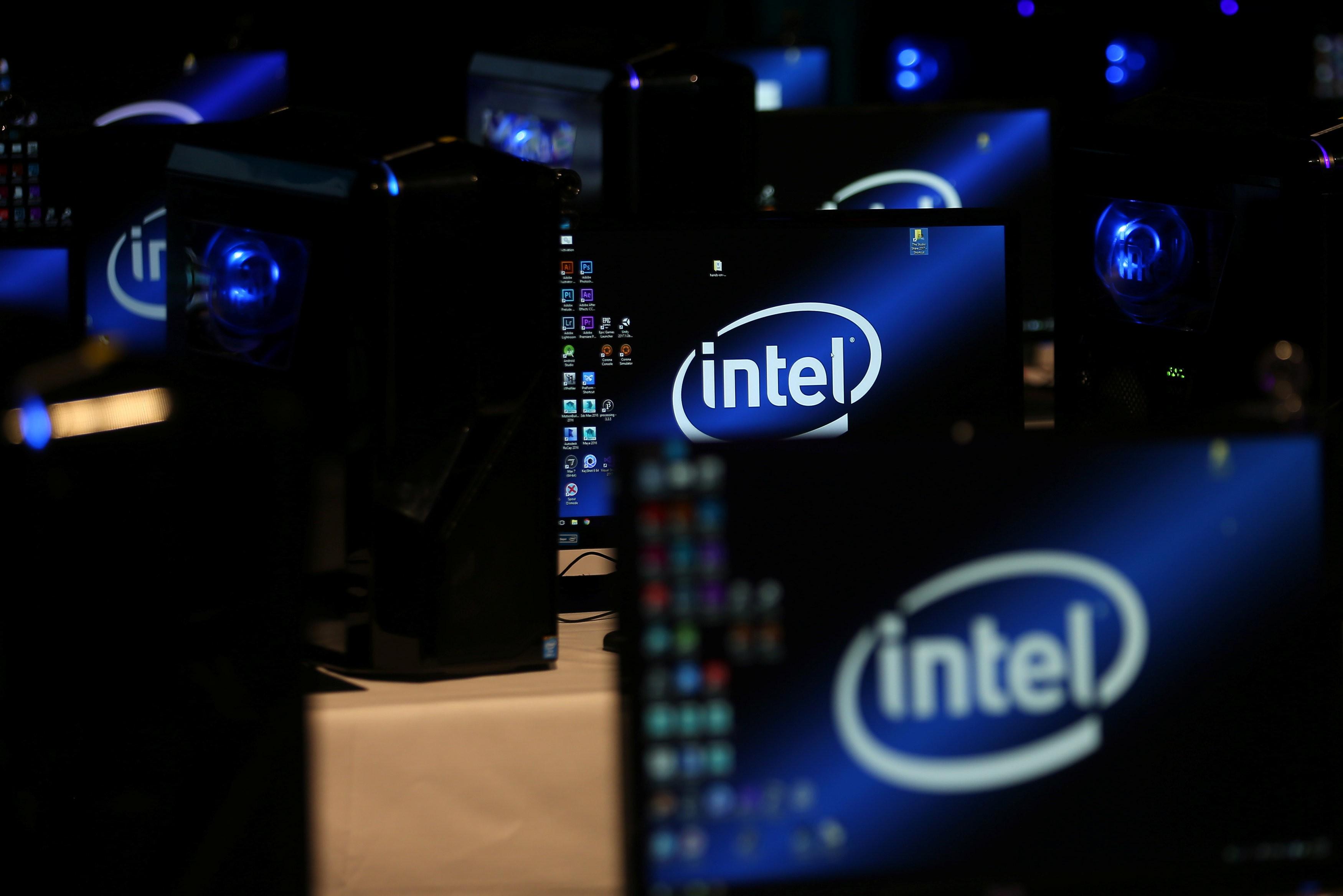 Intel lança seu primeiro chip de inteligência artificial