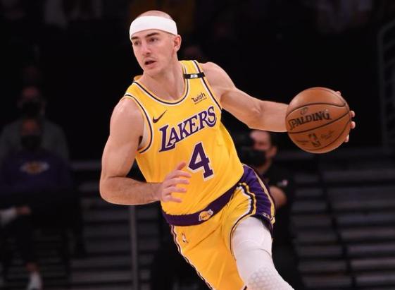 Jogador do Los Angeles Lakers é preso nos EUA por porte de maconha