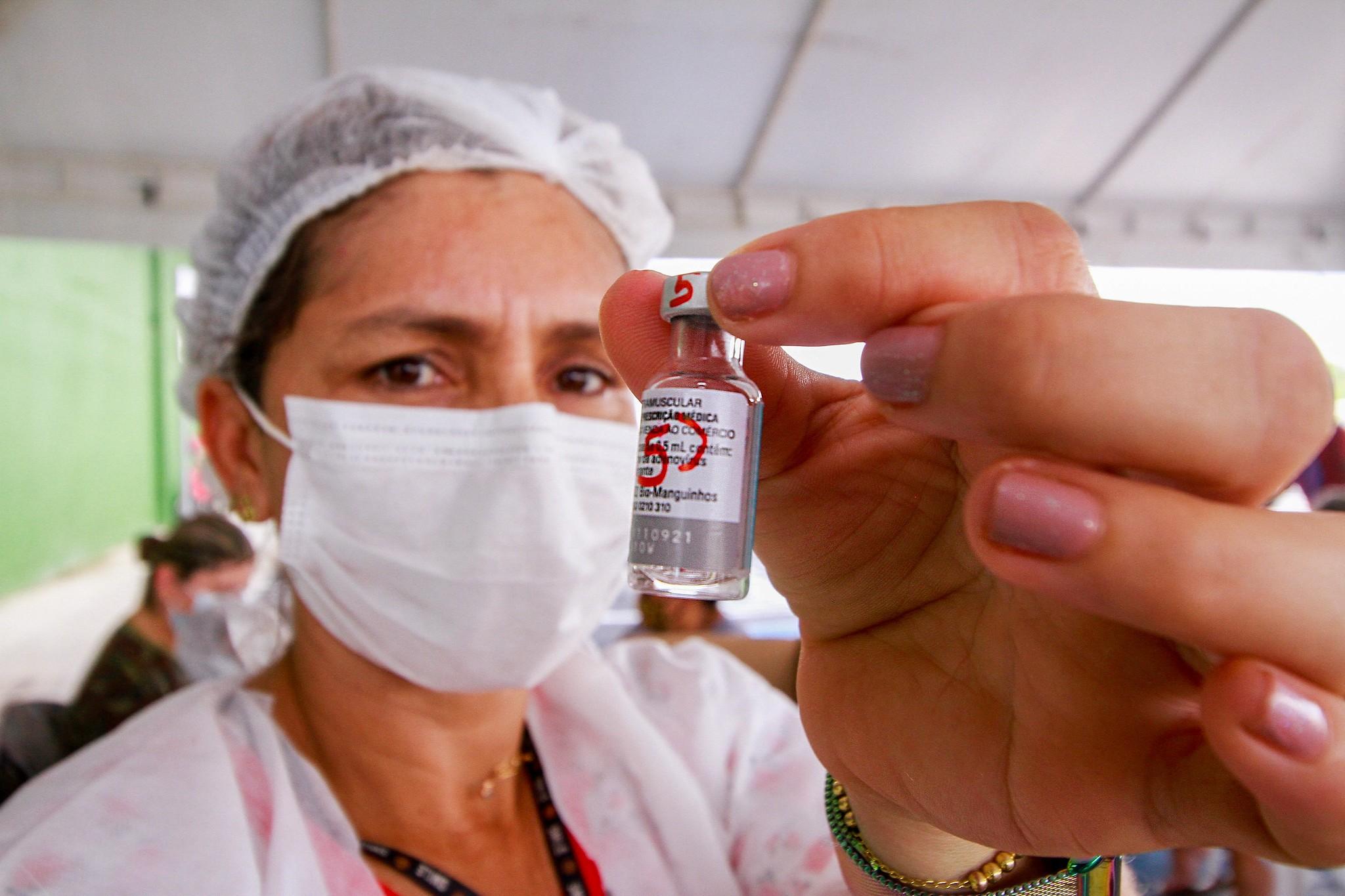 Manaus aplica segunda dose da vacina contra a Covid-19 em pessoas a partir de 20 anos